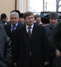 Одес Байсултанов проинспектировал строительство чеченского таможенного поста