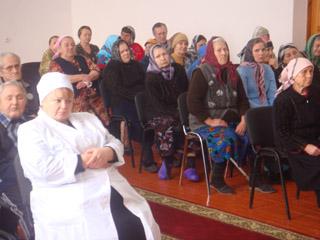 Священник храма Архангела Михаила  встретился с православными Республиканского геронтологического центра