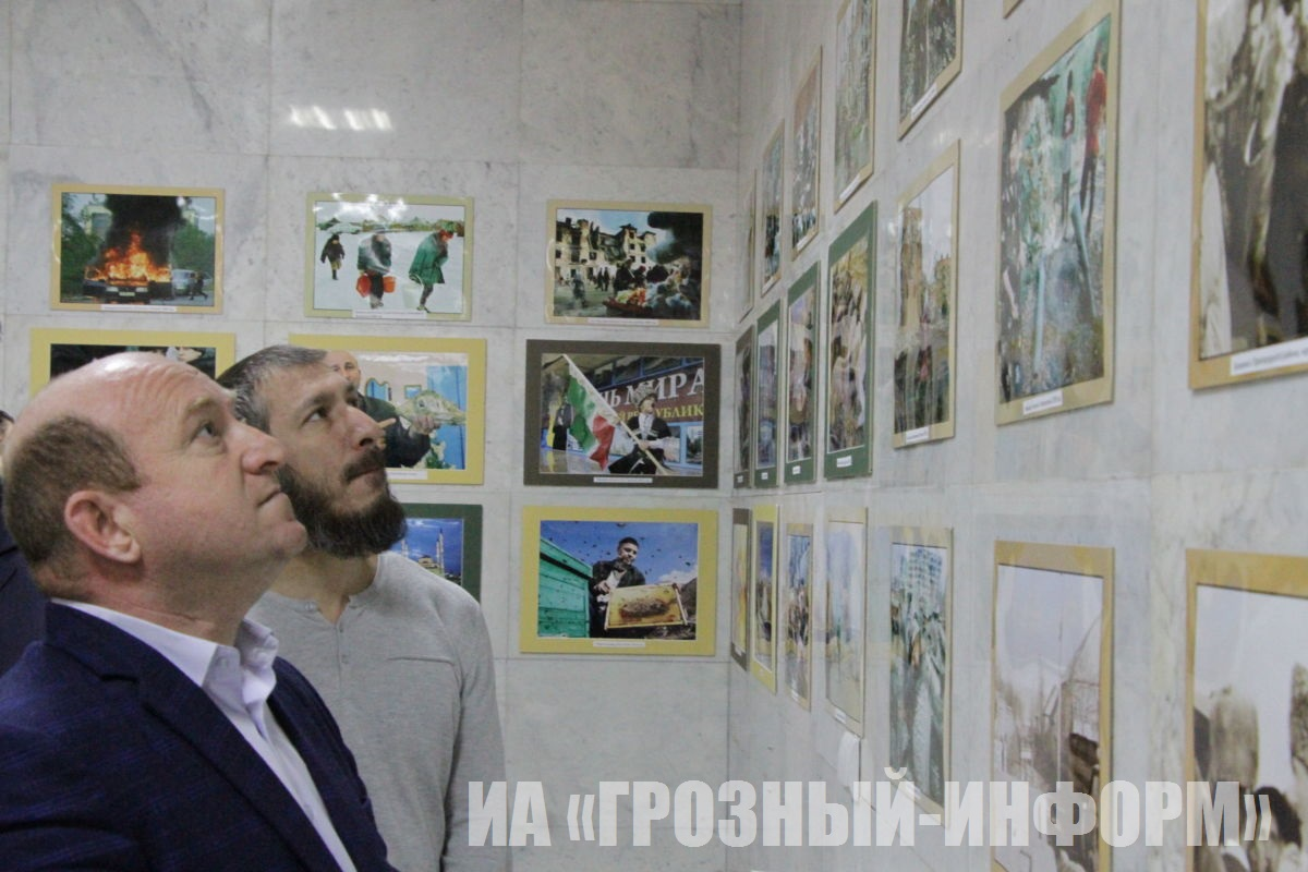 Выставка работ фотографа-международника, фотокорреспондента ИА «Грозный-информ» Мусы Садулаева