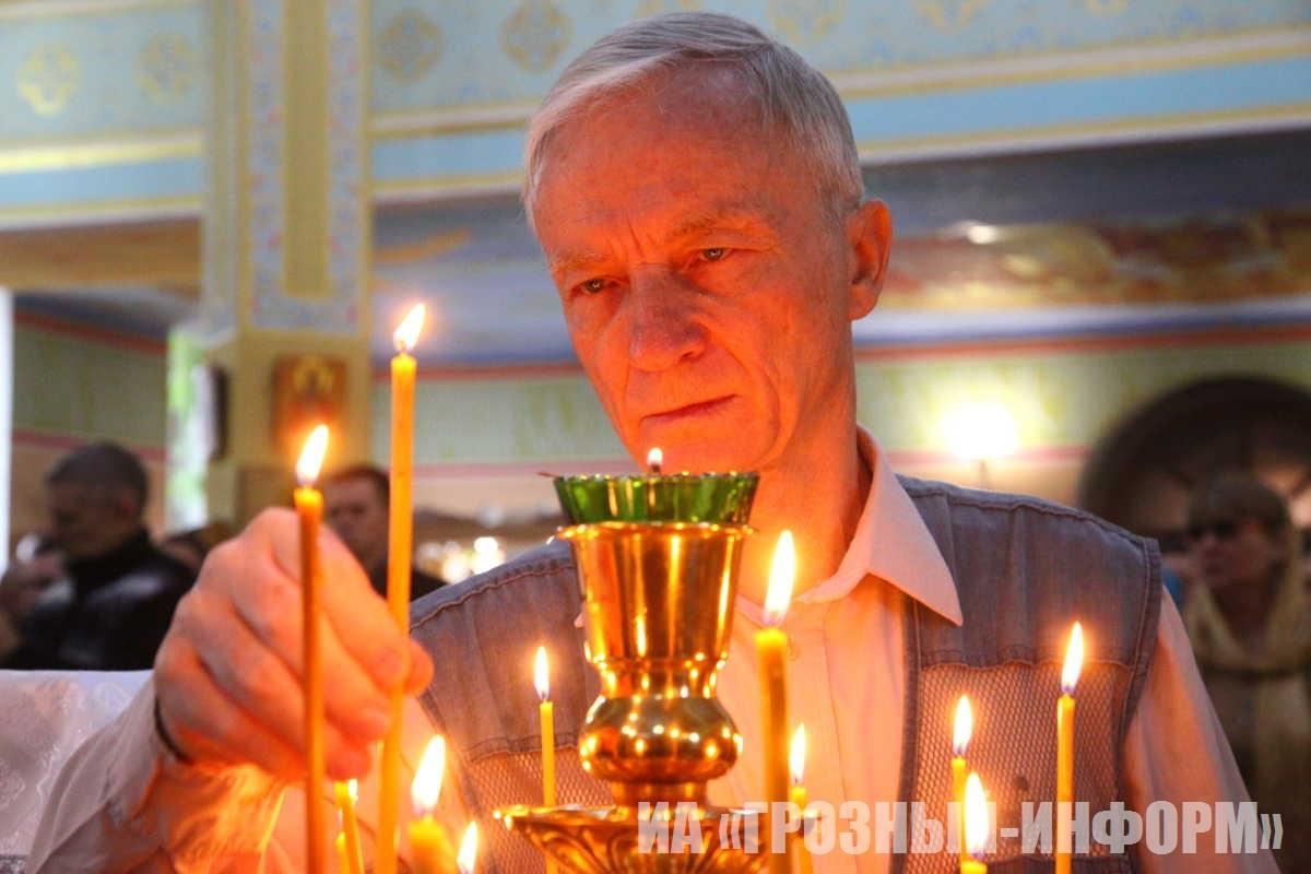 Православные христиане Чечни празднуют Рождество Христово