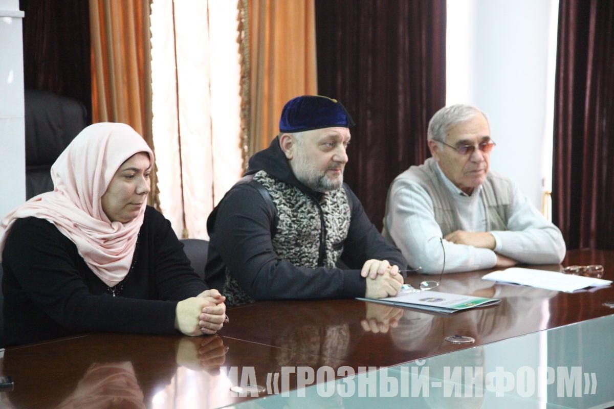 В министерстве ЧР по национальной политике, внешним связям, печати и информации отметили День Героев Отечества