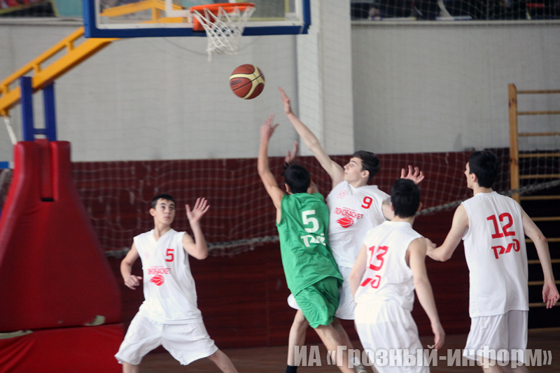 В ЧГУ прошел финал турнира по баскетболу «Локомотив – школьная лига ЧР»