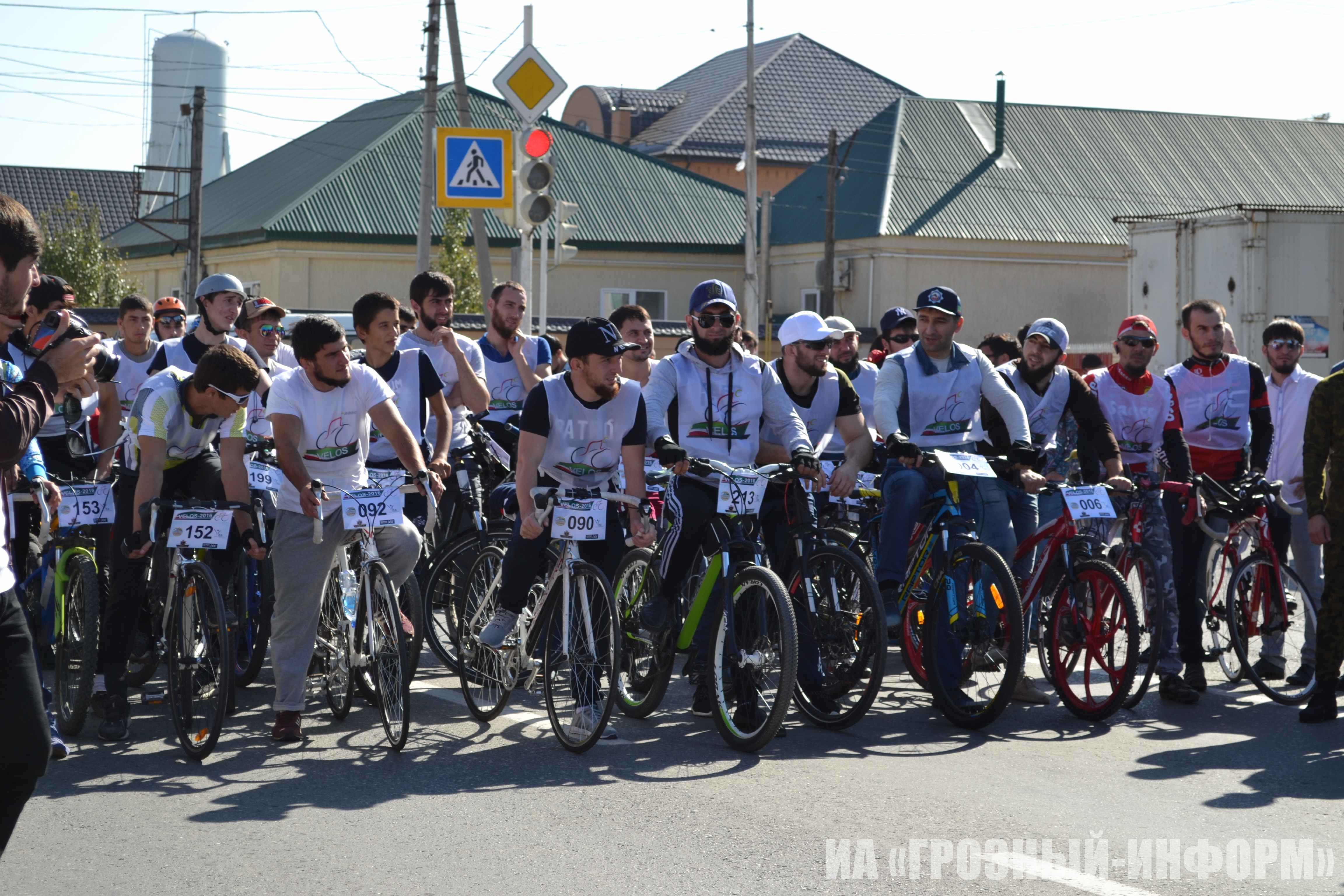 В Чечне прошел молодежный велопробег «Велос – 2016»
