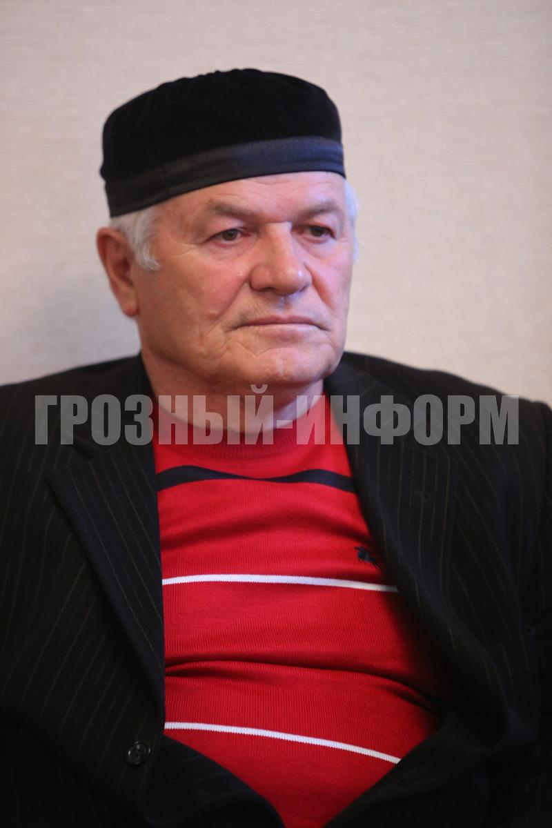 Празднование юбилея ветерана чеченской журналистики салавди магамаева прошло в грозном