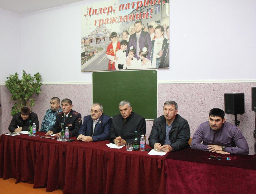 Центровой из Центороя Статья Политковской о Кадырове