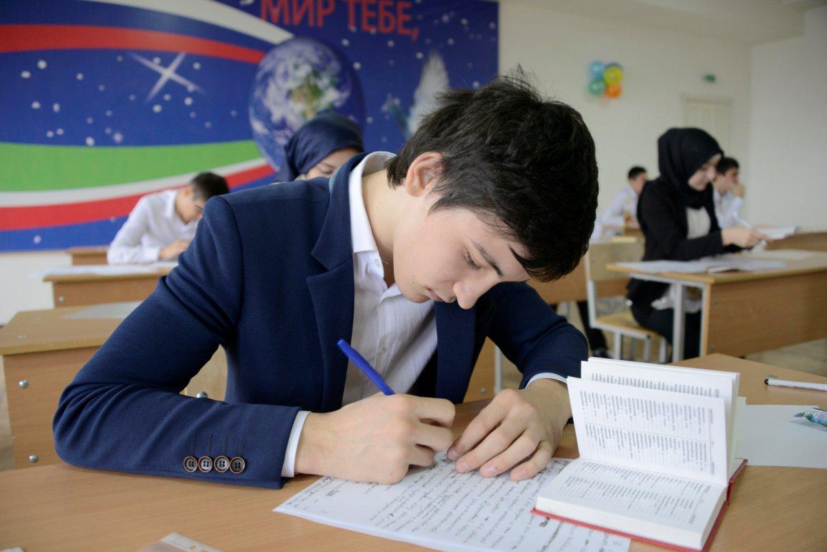 В чечне стали известны итоги сдачи первого экзамена по егэ