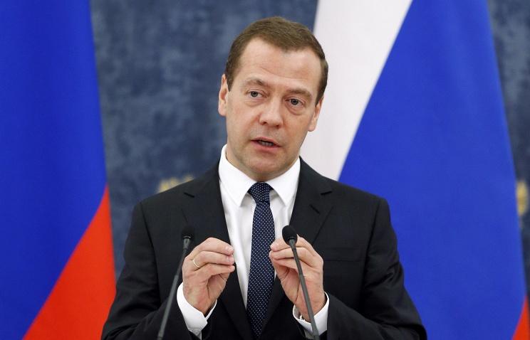 Медведев: в 2016 г. сосредоточим усилия на развитии транспортного машиностроения, жилищного строительства и сельского хозяйства