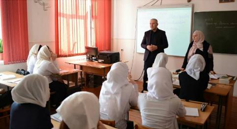 Исмаил Байханов встретился со студентами педколледжа