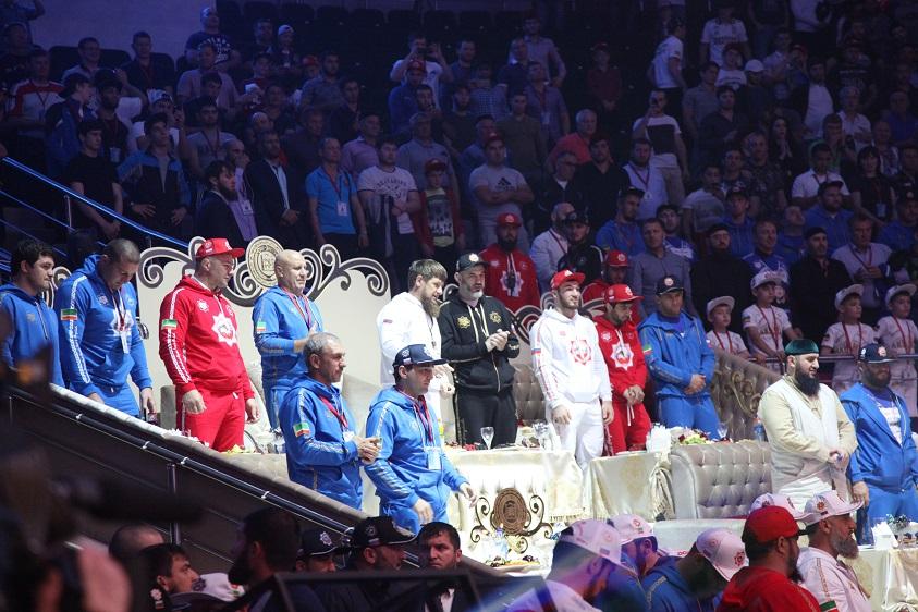 Греко-римская борьба смотреть онлайн видео трансляцию Чемпионата России-2016. Прямой эфир из Грозного 2.06.2016