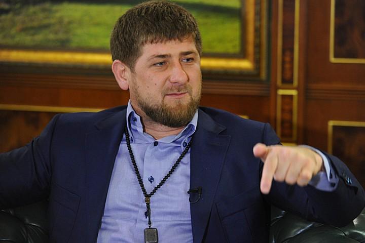 Кадыров прокомментировал введениеЕС санкций против двух россиян