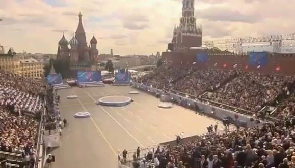 Владимир Путин увидел в столице «древнюю священную простоту»