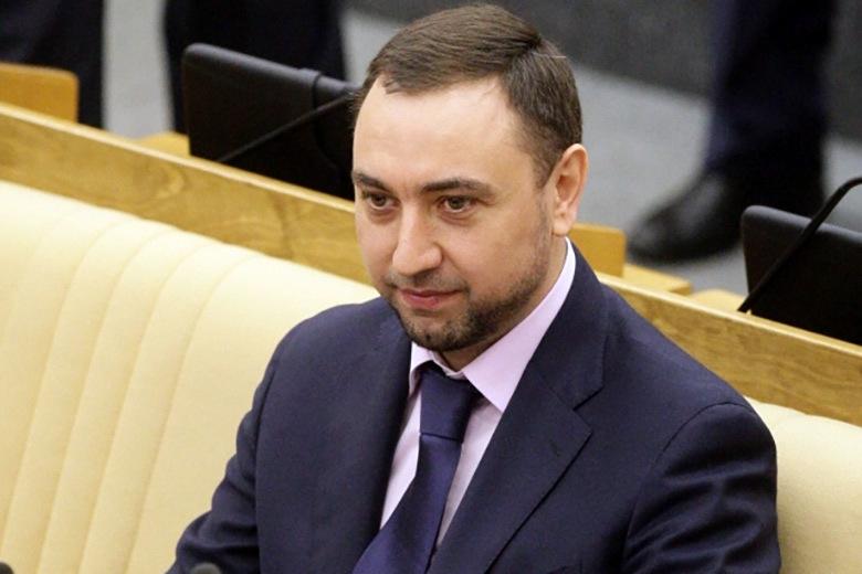 Онищенко стал первым зампредом комитета пообразованию в новейшей Думе
