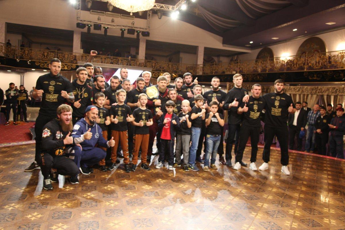 Сыновья поздравили Кадырова с40-летием, показательно побив собственных сверстников