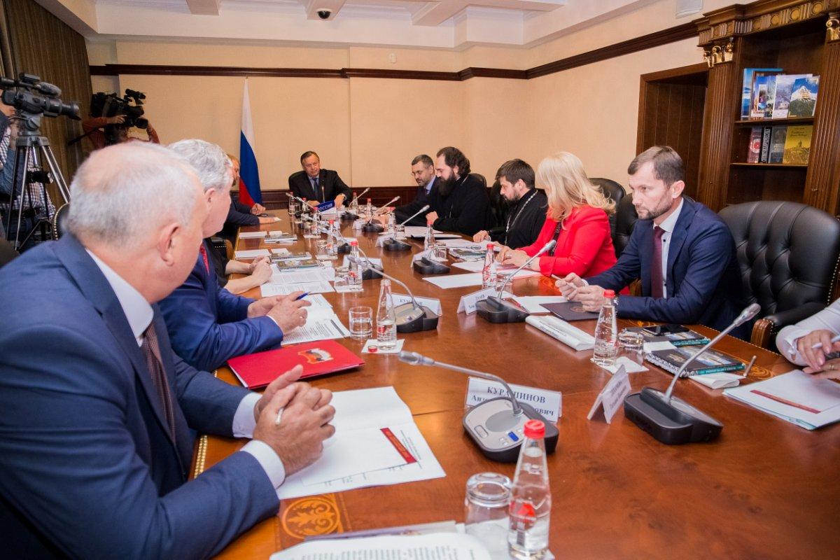 ВПятигорске уполномоченные РПЦ иСМИ обсудили сопротивление информационному экстремизму