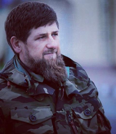 Наохрану авиабазы Хмеймим вылетит чеченский спецназ