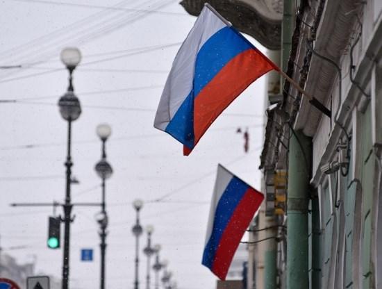 РФ вмире уважают и опасаются, считают большинство россиян