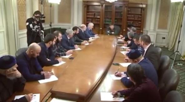 Кадыров призвал кзащите детей от«групп смерти»