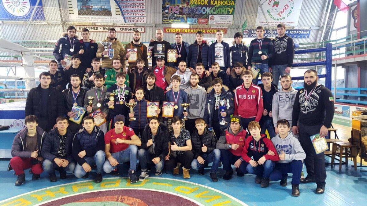 16 чеченских бойцов стали победителями чемпионата СКФО покикбоксингу