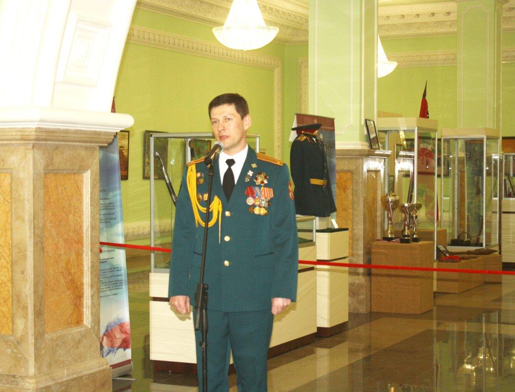 Президент РФ поздравил губернатора области сДнем защитника Отечества