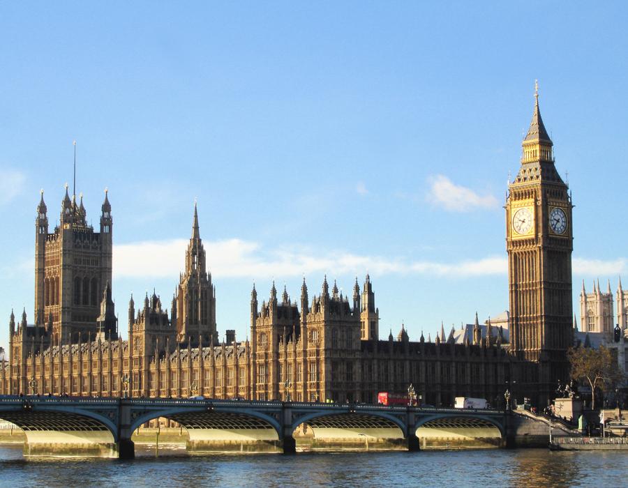 Порошенко иДжонсон обсудили вопросы усиления сотрудничества Украины и Англии
