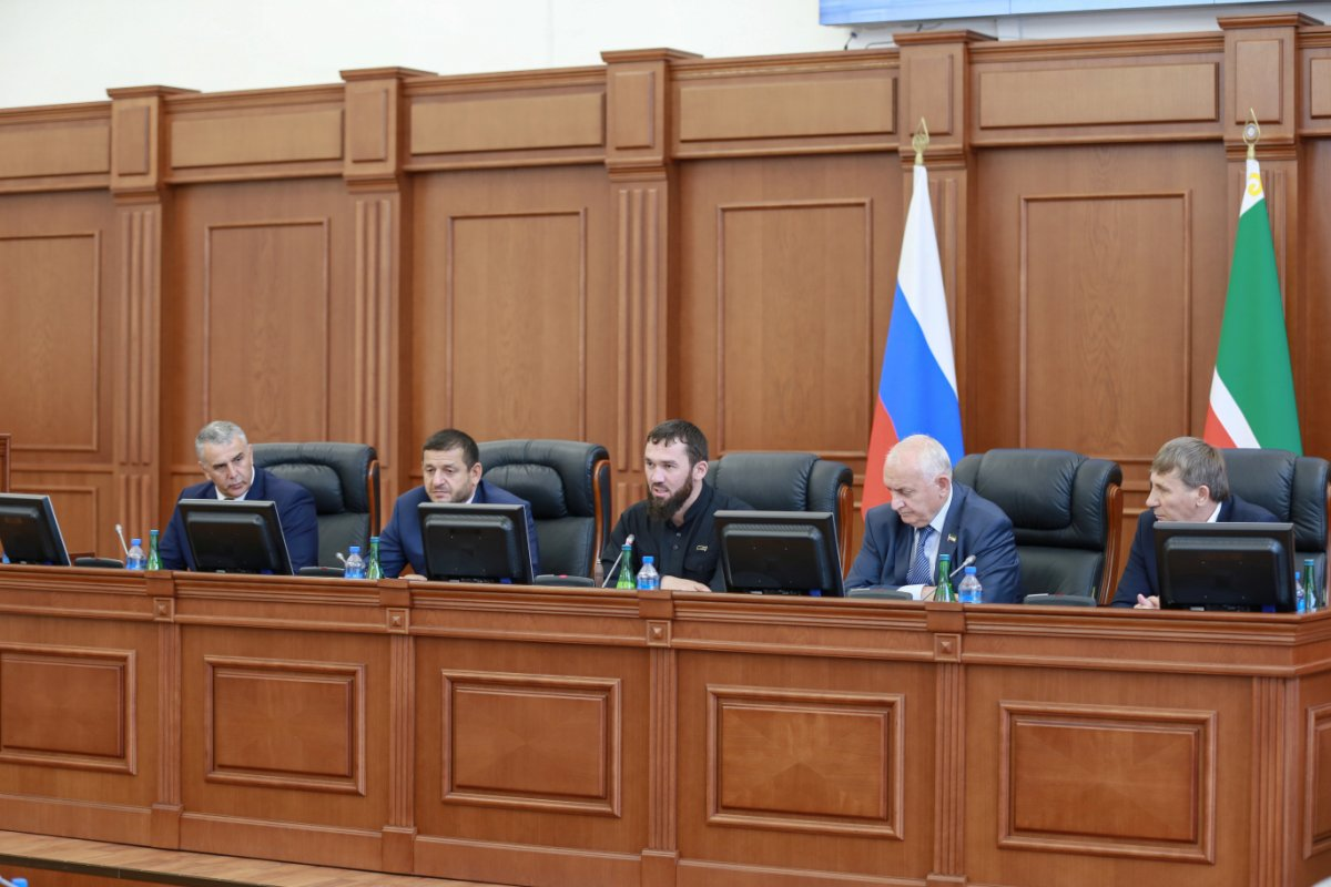 Спикер парламента Чечни причастен кпыткам геев— защитники прав человека