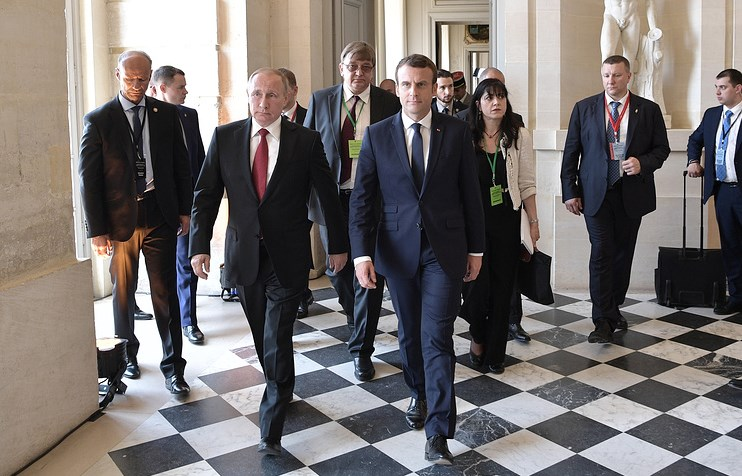 Макрон овстрече сПутиным: Нас разделяют общие противоречия