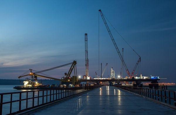 Плавсистема для транспортировки арок Крымского моста протестирована
