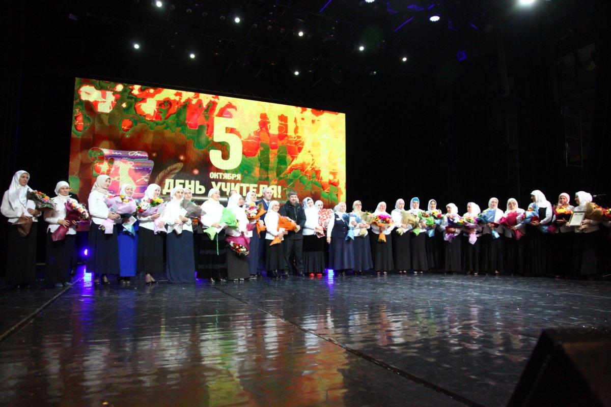 Рамзан Кадыров поздравил В. Путина сднем рождения