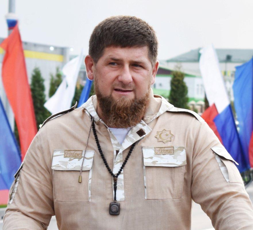 Кадыров попросил родителей нелишать детей детства, таская помитингам