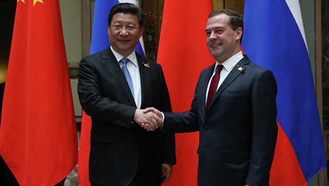 Медведев рассчитывает наувеличение товарооборота сКитаем до100 млрд долларов