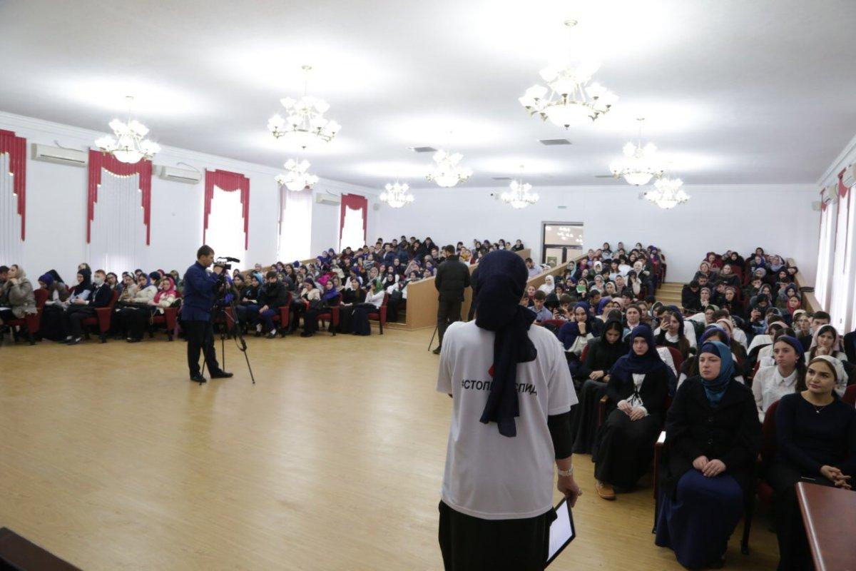 В русских школах состоялись открытые интернет-уроки врамках акции «Стоп ВИЧ/СПИД»