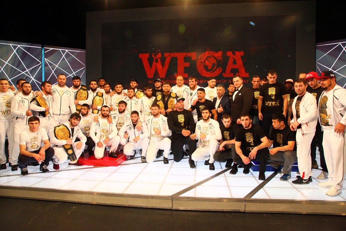 Фонд Кадырова подарил Александру Емельяненко Mercedes запобедный бой в«Ахмате»