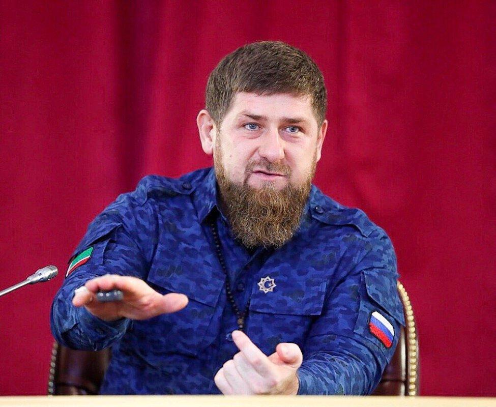«Царствуй вославу…»: Кадыров ратует зареферендум о извечном правлении В. Путина