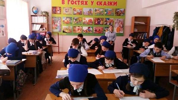Подмосковные школьники напишут проверочные работы поматематике иистории вовторник