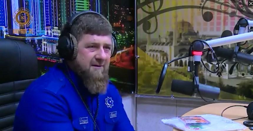 Рамзан Кадыров поздравил сотрудников радиостанций с Днем радио