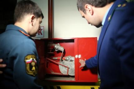 В РФ приостановлена работа неменее 150 торговых центров-нарушителей пожарной безопасности