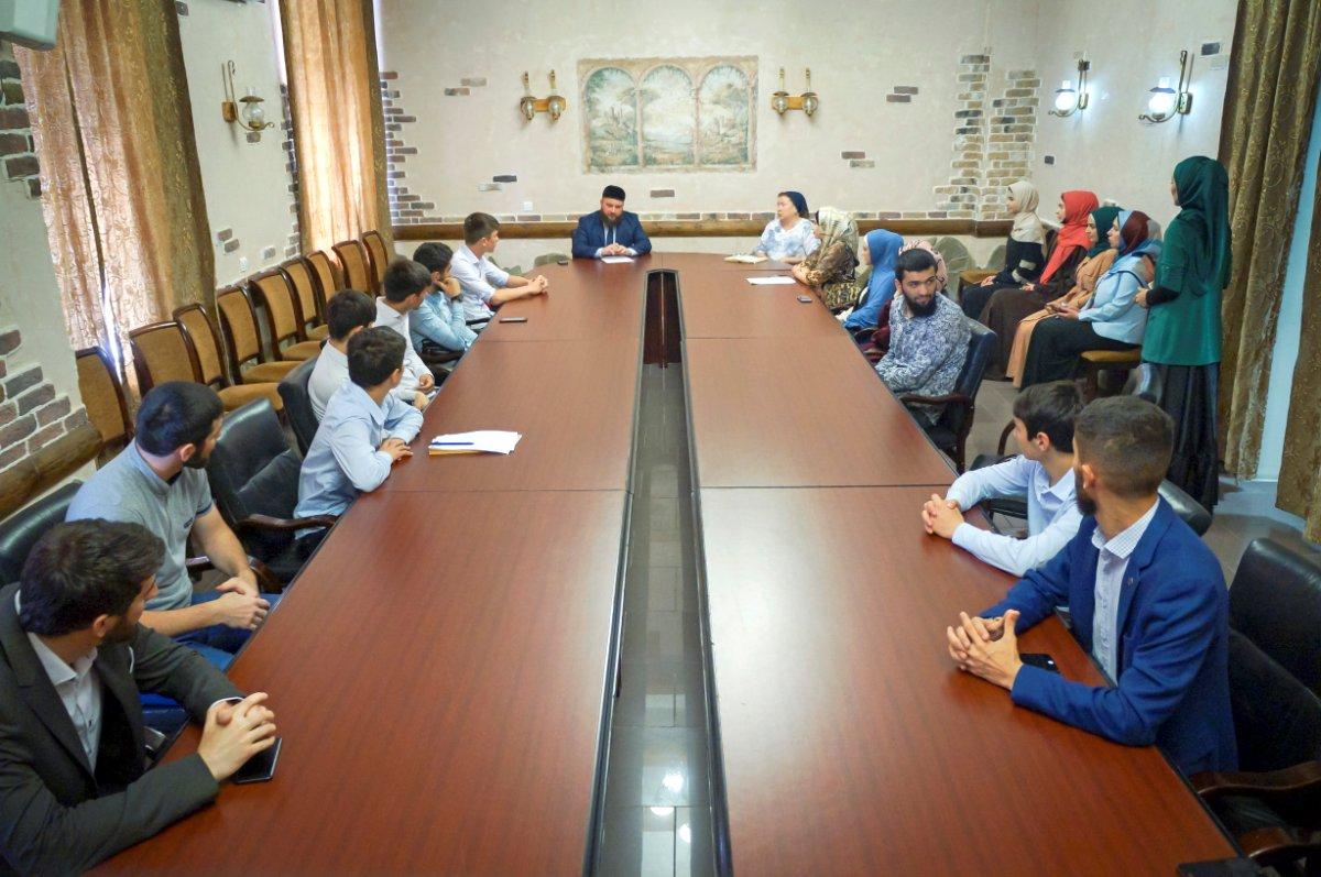 В Минмолодежи Чечни прошел семинар, приуроченный ко Дню русского языка
