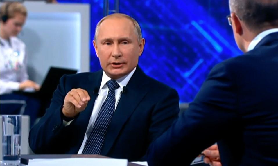 В.Путин считает недопустимой ситуацию с ростом цен на бензин