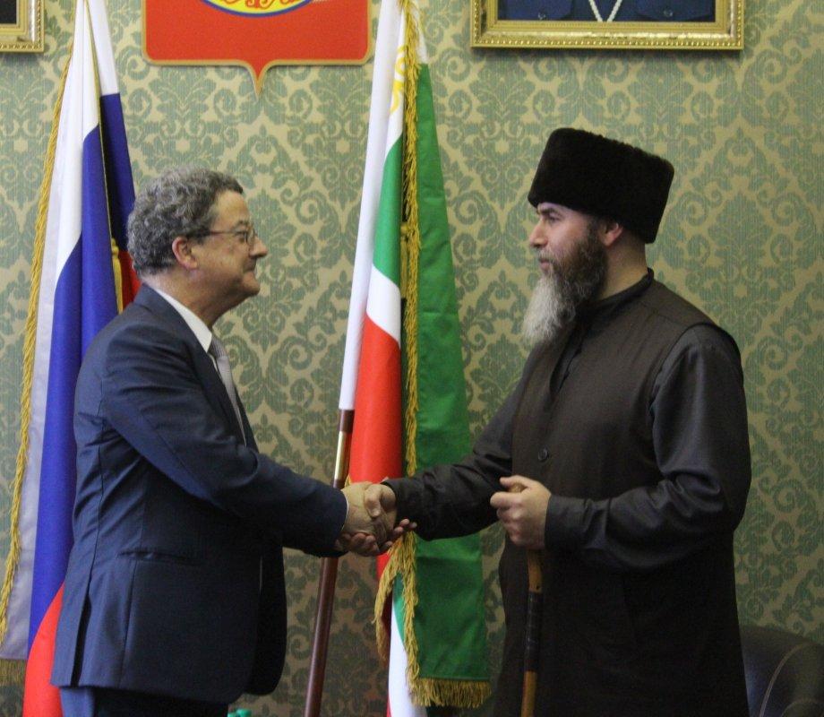 Муфтий Чечни встретился с Чрезвычайным и Полномочным Послом Швейцарии в РФ Ивом Россье